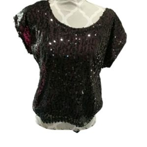 NWT Laundry by Shelli Segal Sequin shortsleeve top